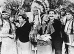 Marx Brothers - Marx Brothers Scene with Native American Girls