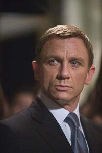 Quantum of Solace - 8 x 10 Color Photo #10