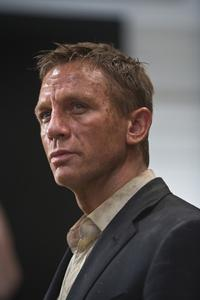 Quantum of Solace - 8 x 10 Color Photo #11