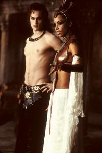 Queen of the Damned - 8 x 10 Color Photo #3
