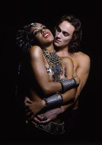 Queen of the Damned - 8 x 10 Color Photo #9
