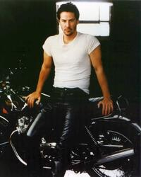 Keanu Reeves - 8 x 10 Color Photo #1