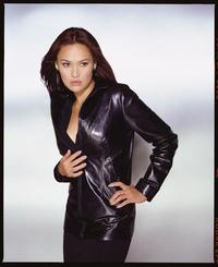 Relic Hunter - 8 x 10 Color Photo #2