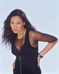 Relic Hunter - 8 x 10 Color Photo #6