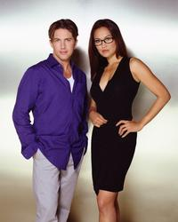Relic Hunter - 8 x 10 Color Photo #10