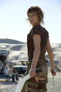 Resident Evil: Extinction - 8 x 10 Color Photo #1