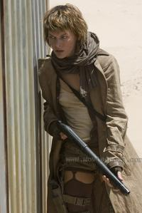 Resident Evil: Extinction - 8 x 10 Color Photo #2
