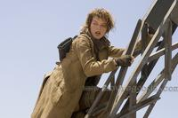 Resident Evil: Extinction - 8 x 10 Color Photo #4