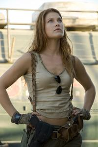 Resident Evil: Extinction - 8 x 10 Color Photo #10