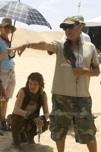 Resident Evil: Extinction - 8 x 10 Color Photo #26
