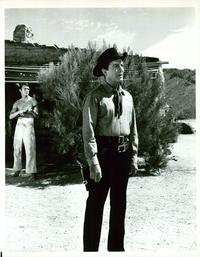 Return of the Gunfighter - 8 x 10 B&W Photo #1