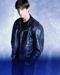 Roswell - 8 x 10 Color Photo #7