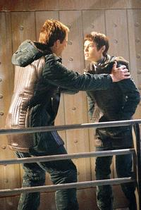 Star Trek: Enterprise - 8 x 10 Color Photo #38