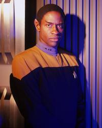 Star Trek: Voyager - 8 x 10 Color Photo #7