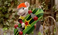 Stuart Little 2 - 8 x 10 Color Photo #1