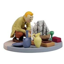 The Adventures of Tintin: The Secret of the Unicorn - Box Scene At The Flea Market Statue