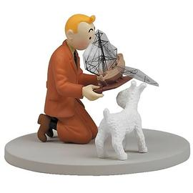 The Adventures of Tintin: The Secret of the Unicorn - Holding The Unicorn Box Cover Statue