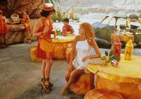 The Flintstones in Viva Rock Vegas - 8 x 10 Color Photo #3