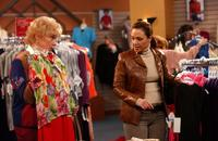 The King of Queens - 8 x 10 Color Photo #37