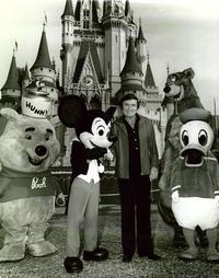 The Mike Douglas Show - 8 x 10 B&W Photo #79