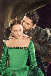 The Other Boleyn Girl - 8 x 10 Color Photo #7