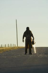 The Texas Chainsaw Massacre: The Beginning - 8 x 10 Color Photo #12