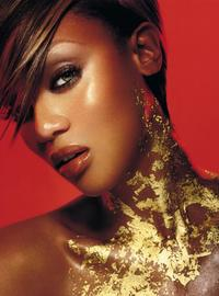 The Tyra Banks Show - 8 x 10 Color Photo #12