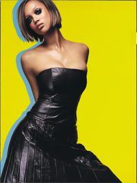 The Tyra Banks Show - 8 x 10 Color Photo #13