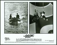 Tomorrow Never Dies - 8 x 10 B&W Photo #9