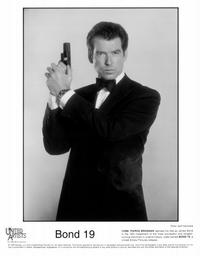 Tomorrow Never Dies - 8 x 10 B&W Photo #13