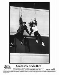 Tomorrow Never Dies - 8 x 10 B&W Photo #14