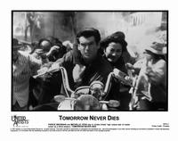 Tomorrow Never Dies - 8 x 10 B&W Photo #16