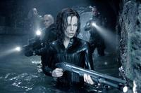 Underworld: Evolution - 8 x 10 Color Photo #22