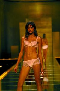 Victoria's Secret Fashion Show - 8 x 10 Color Photo #3
