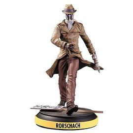 Watchmen - Before Rorschach Statue
