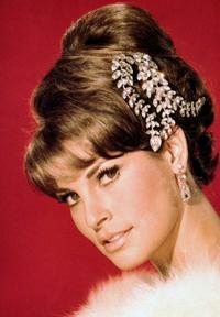 Raquel Welch - 8 x 10 Color Photo #7