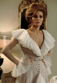 Raquel Welch - 8 x 10 Color Photo #14