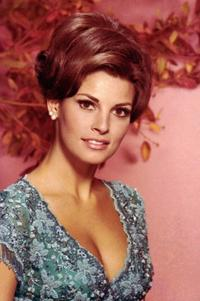 Raquel Welch - 8 x 10 Color Photo #31