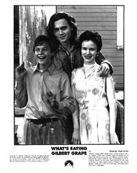 What's Eating Gilbert Grape - 8 x 10 B&W Photo #11