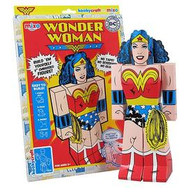 Wonder Woman - Kookycraft Papercraft